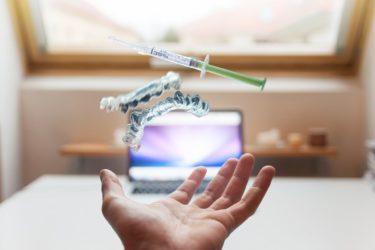 無痛で間葉系幹細胞を皮膚に届けるマイクロニードルを新たに開発